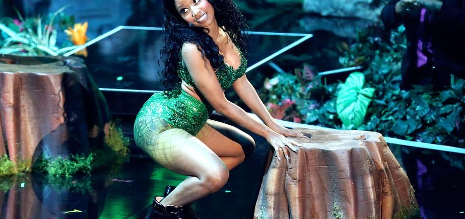 Nicki Minaj ofende a Miley Cyrus en vivo en los premios VMAs