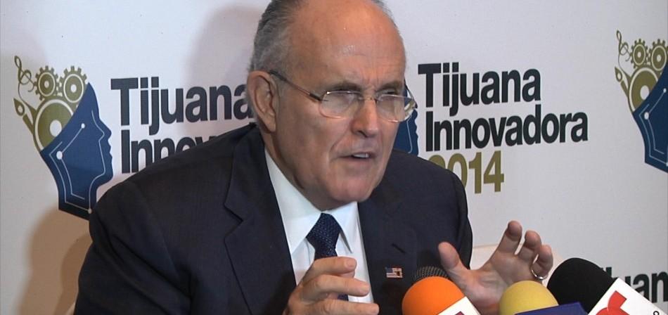 Rudolph Giuliani dice que solo puede ser político quien ame a las personas