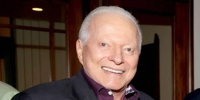 Llegan a Panamá restos de expresidente Eric Delvalle, fallecido en EE.UU.