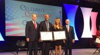 Thalia y Mariano Rivera reconocidos por su contribución a Estados Unidos