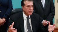 Un alcalde de Florida enfrenta corte tras querer pagar multa con monedas