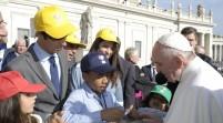 Niño dominicano Embajador de la Paz en encuentro con Papa Francisco