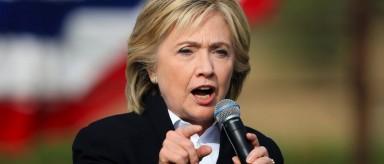"""Hillary Clinton dice que no usará más """"inmigrantes ilegales"""""""