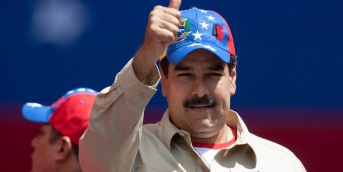 """Presidente venezolano pide a Obama poner orden y amarrar a """"sus locos"""""""