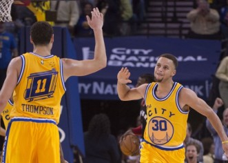 Warriors logran nueva marca; James corta racha perdedora de Cavaliers