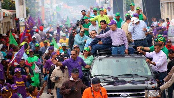 Higuey y San Rafael del Yuma ofrecen caluroso respaldo a Danilo ... - El Sol de la Florida
