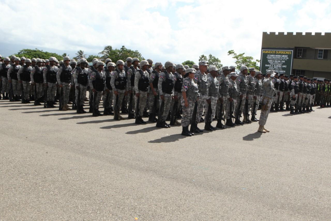 militares-en-formacion-en-santiago